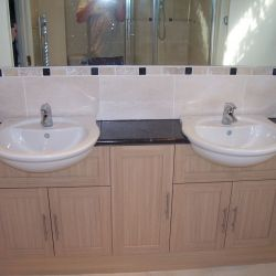 New double sink & bathroom fittings